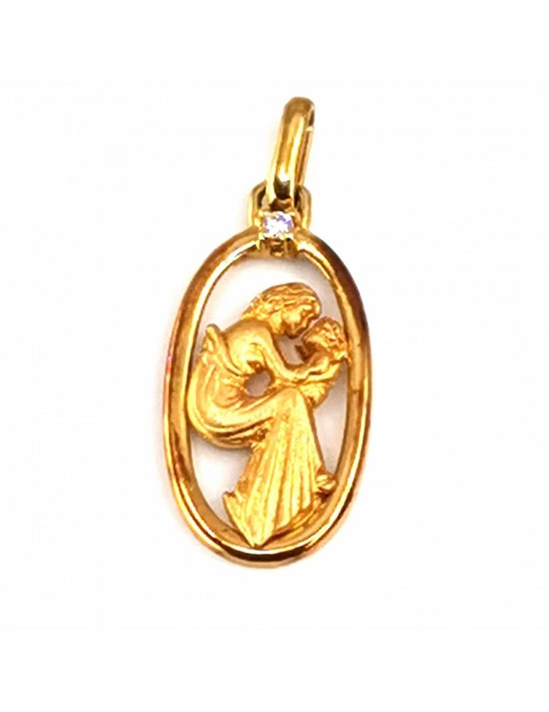 Medalla de la Madre en oro 18k con cerco y madre con su hijo, con circonita